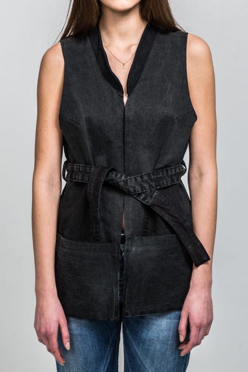 Gracious Black vest front